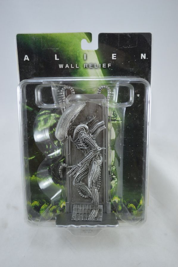 Alien Wall Relief Silver Version